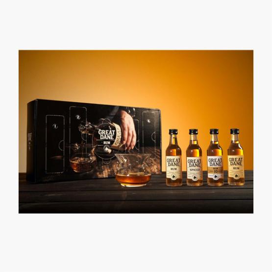 Adventskalender med Great Dane Rum (4 x 50 ml)